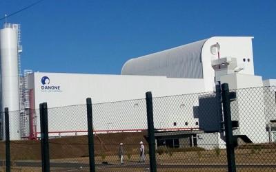 Sistema de proteção perimetral para alambrados com cabo sensor microfônico na fábrica da Danone em Poços de Caldas (MG)