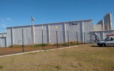 Sistema de Cerca Elétrica Industrial em indústria no Interior de SP